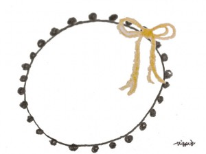 フリー素材:フレーム;ガーリーなブラウンブラックのポンポン付きレースと芥子色のリボンの飾り枠;640×480pix