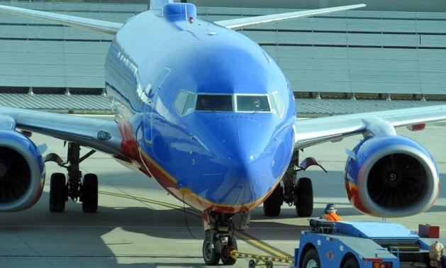 airplane-422275_960_720