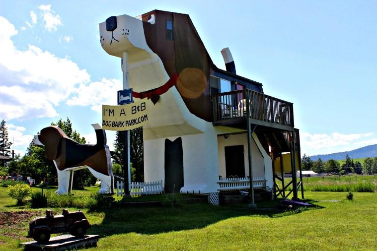 Dog Bark Park Inn (Cottonwood, Idaho)