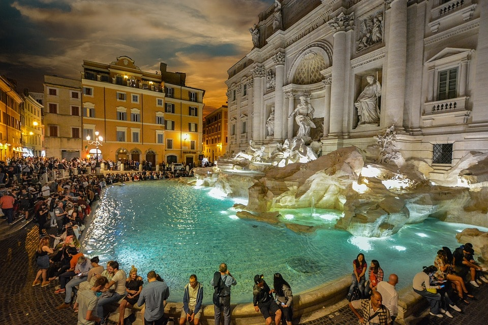 Things to do in Rome at night trevi
