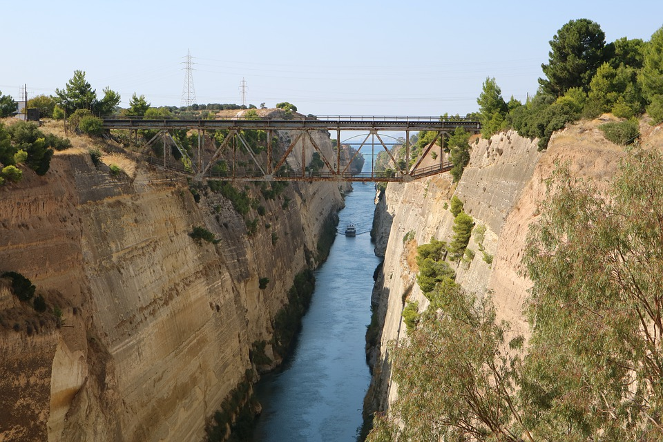 Greece 10 days itinerary - Corinth Canal