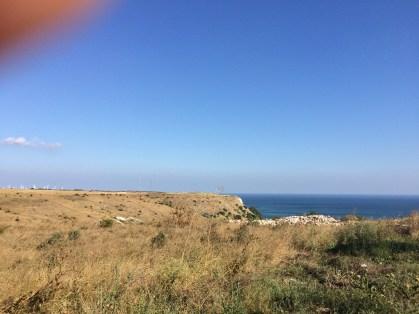 Море + Упс. Една яка снимка ще успея да направя на северното черноморие и няма да забележа, че пръста ми е в кадър...