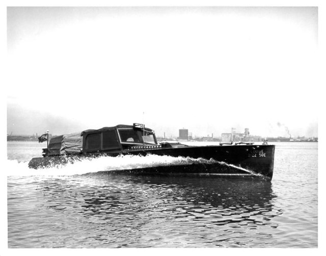 Water Taxi - The Louise