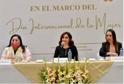 RECONOCE BARRA DE ABOGADAS LABOR DE PERSONAL DE SALUD EN LUCHA CONTRA PANDEMIA..1