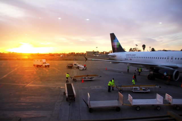 Reportan cierre del aeropuerto de Tijuana
