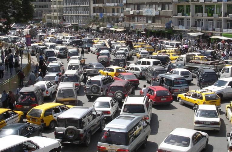 La importación de vehículos usados de mala calidad contamina