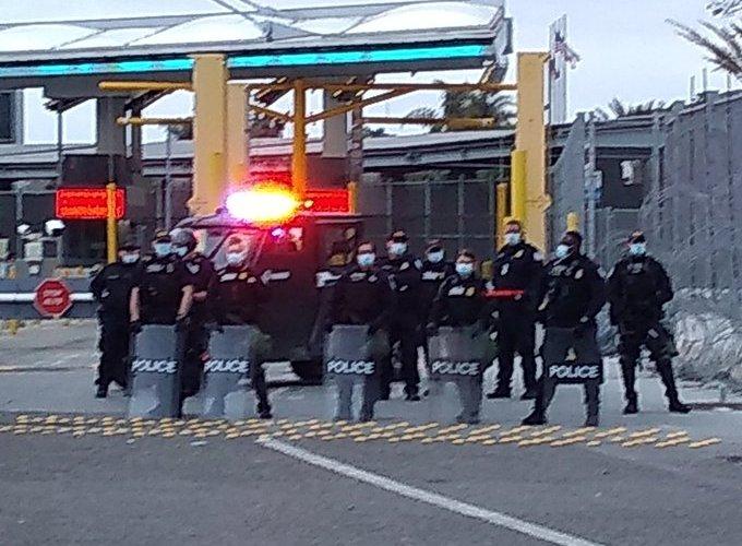 Empresario desplazado por el crimen cruzó la frontera
