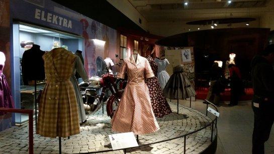 Praag (58) - Nationaal Museum - Retro
