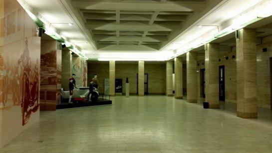 Praag (59) - Nationaal Museum - Retro