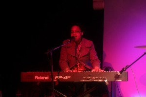 2012-04-14-kings-arms-bowden-williamson-support-001