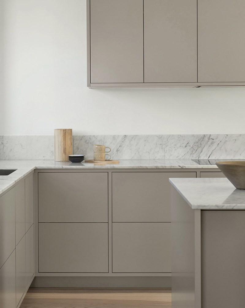 Nordiska Kök minimalistiskt kök i grått