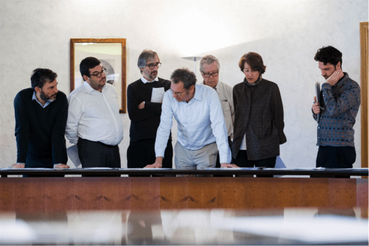 The panel of judges also included Ángela García de Paredes (Paredes Pedrosa Arquitectos); Víctor Navarro (Langarita-Navarro); Bak Gordon, a Portuguese architect; Moisés Puente (Editor of 2G and critic); designer and interior designer Martín Azúa; and Ramón Monfort, a member of the Castellón College of Architects.