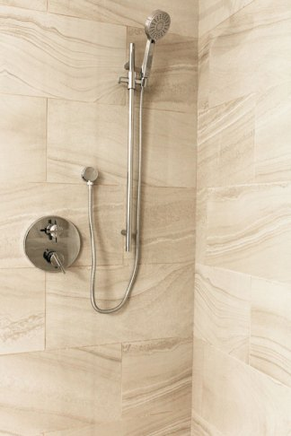 Riviera Lune installed in a shower