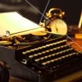 Skrivemaskin og Time Mag forside
