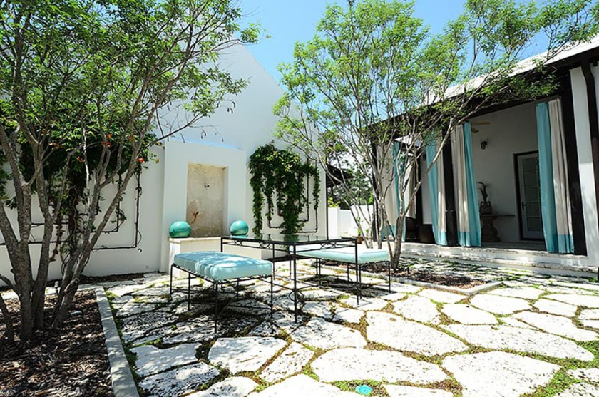 McNamara-Alys Beach House-Somerset Villa-Exterior-Courtyard