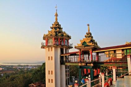 Aufgang zur Kyaik Thanlan Pagode