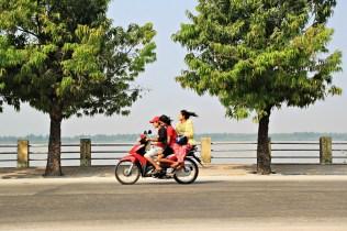 Halb besetztes Moped