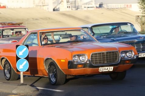 Rock n Hop Car Parade 00469
