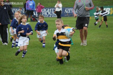 Junior Rugby Kicks Off 00144