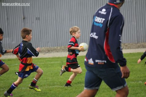 Junior Rugby Kicks Off 00177