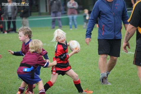 Junior Rugby Kicks Off 00419