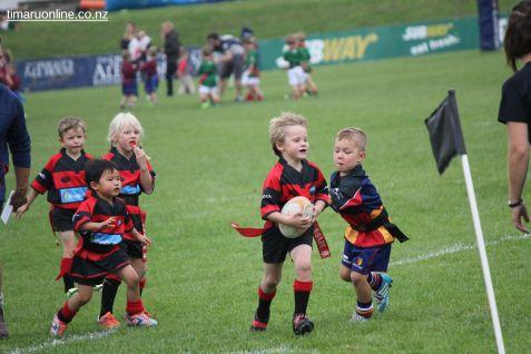Junior Rugby Kicks Off 00485