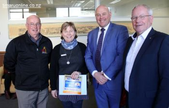 Jeff Paul & Lynne Porter (Life Education Mid & Sth Canterbury), with mayor Damon Odey, and United Way NZ CEO, Don Oliver.