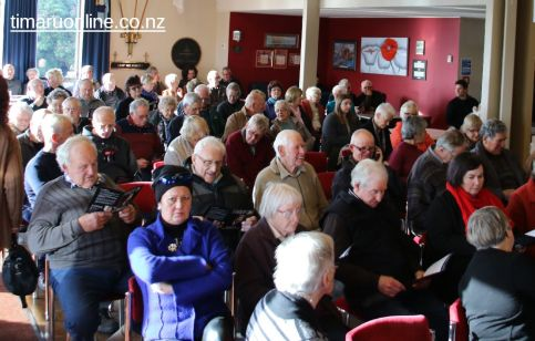WInston Peters in Town 0001