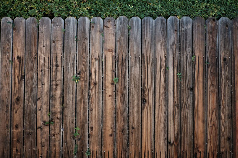 Who is Responsible for Fence Repair in California?
