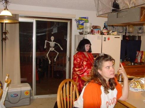 20041030_TT_HalloweenParty_22