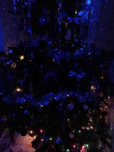 BLUE CHRISTMAS-01
