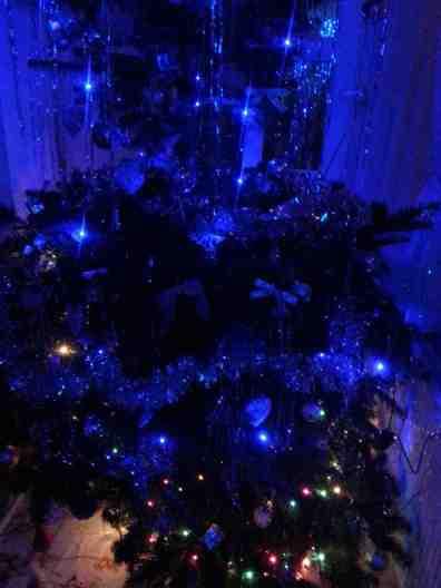 BLUE CHRISTMAS-03