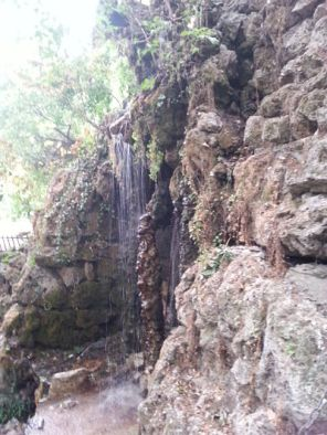 mopana-waterfall-cave-park-08