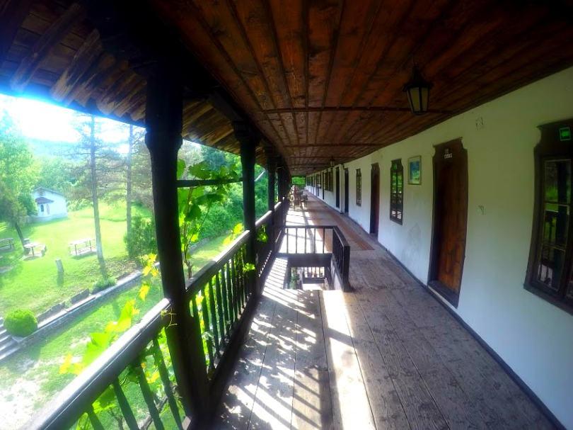 Стаите на манастира