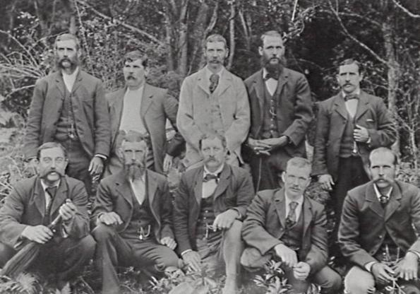 Kembla_Heights_Workmens_Club_committee