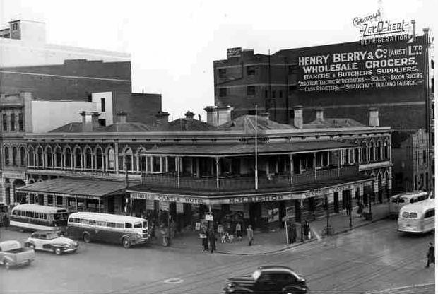 Windsor Castle Hotel, Adelaide, just before demolition in 1949
