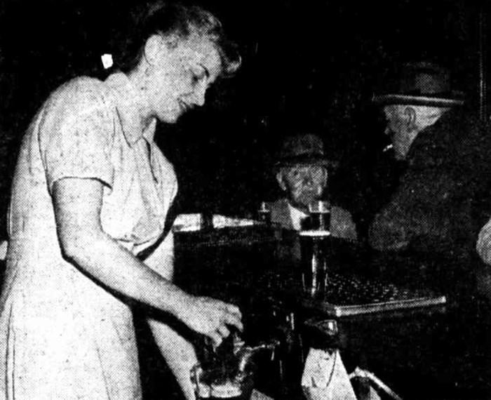 perth barmaid 1950s