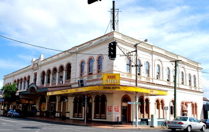 royal hotel maryborough queensland wikipedia