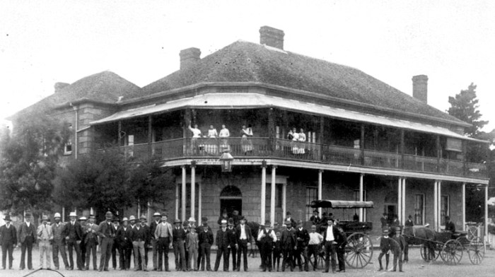 royal-hotel-murrurundi-c1890