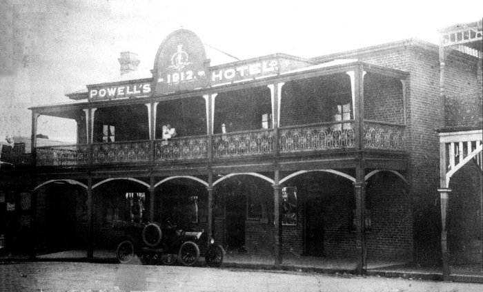 Commercial Hotel Gulgong C1930