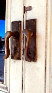 bridge hotel perthville door handles
