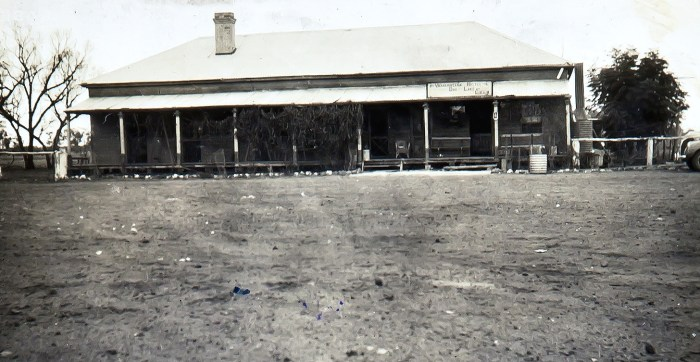 Warraweena Hotel Dry Lake 1940 ANU