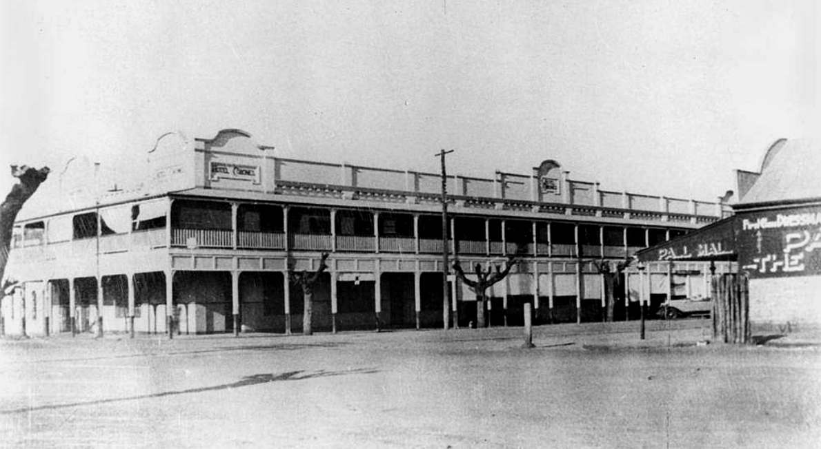 Hotel Corones, Charleville
