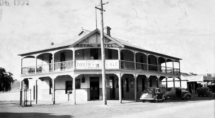 Royal Hotel Mandurama NSW 1939 ANU