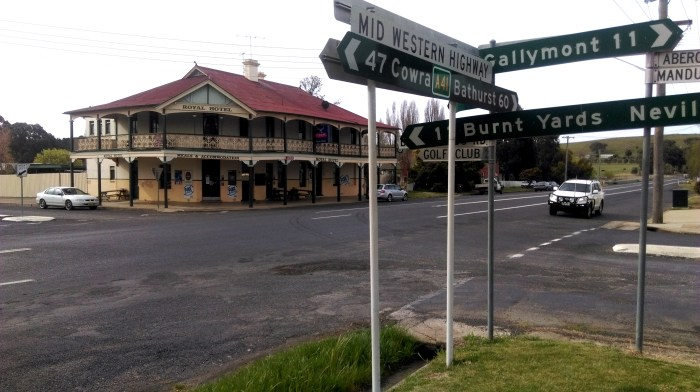 royal hotel mandurama nsw 2 tg
