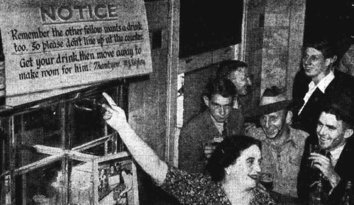 lismore hotel sydney stand back sign 1945