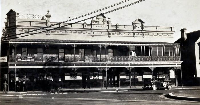 Royal Hotel Randwick aug 1930 anu