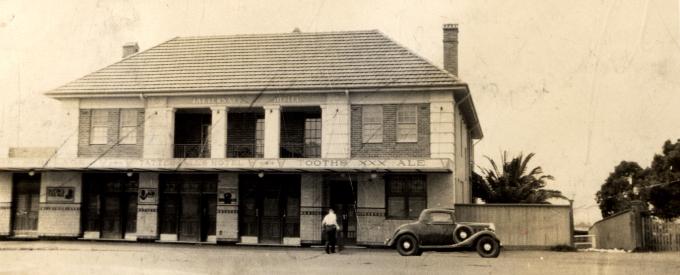 tattersalls-hotel-wollongong-1935-anu