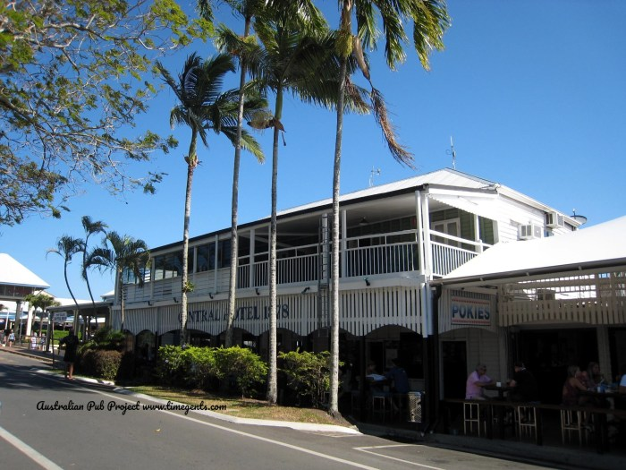 Central Hotel Port Douglas Qld TG W 1