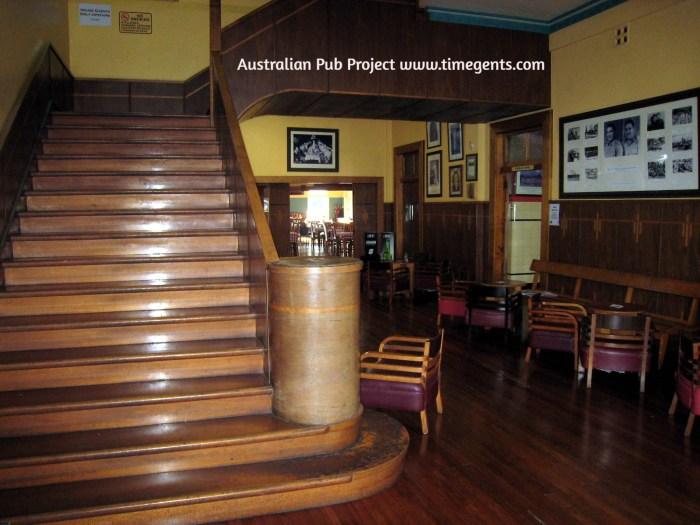 Barron Valley Hotel Atherton steps 2 TG W